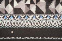 セレクト生地:幾何学柄パネル(グレー系)
